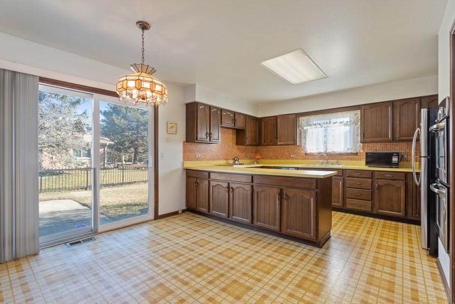 Real Estate Photography - 3612 Liberty Lane, Glenview, IL, 60025 - Kitchen