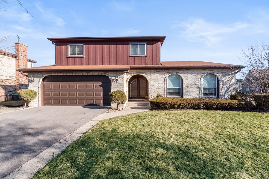 Real Estate Photography - 3612 Liberty Lane, Glenview, IL, 60025 - Front View