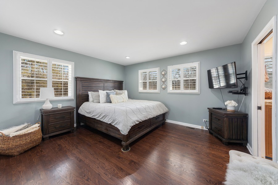 Real Estate Photography - 210 Roberts road, Inverness, IL, 60010 - Master Bedroom