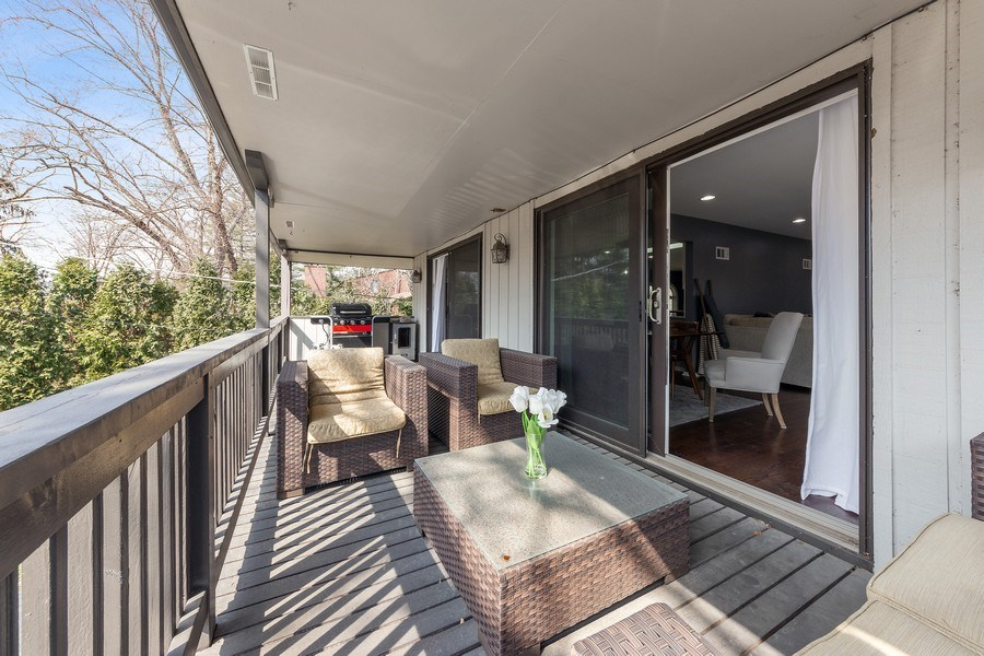 Real Estate Photography - 210 Roberts road, Inverness, IL, 60010 - Deck