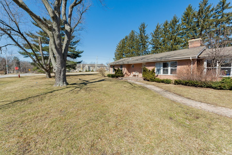 Real Estate Photography - 1750 w Thomas, Arlington Heights, IL, 60004 - Front View