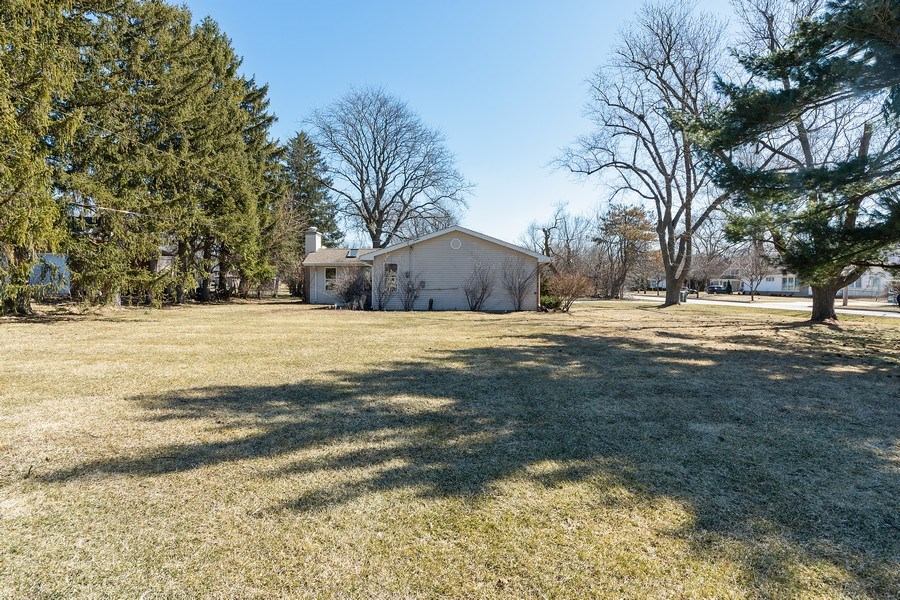 Real Estate Photography - 1750 w Thomas, Arlington Heights, IL, 60004 - Side View