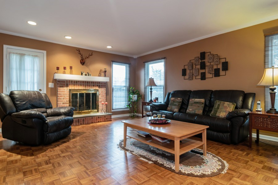 Real Estate Photography - 4234 N. Walnut Ave, Arlington Heights, IL, 60004 - Family Room