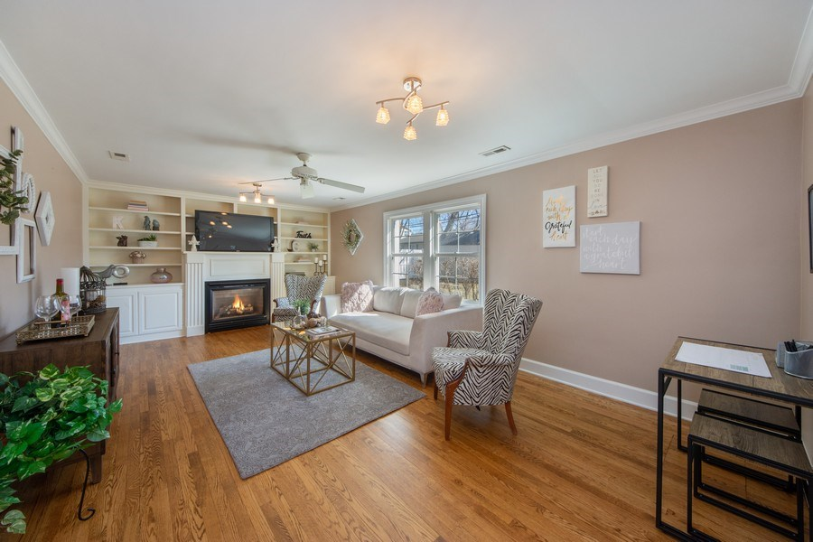 Real Estate Photography - 1115 N Patton, Arlington Heights, IL, 60004 - Family Room