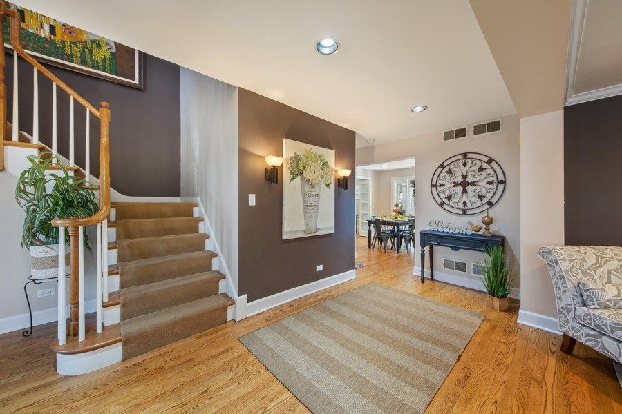 Real Estate Photography - 1115 N Patton, Arlington Heights, IL, 60004 - Foyer