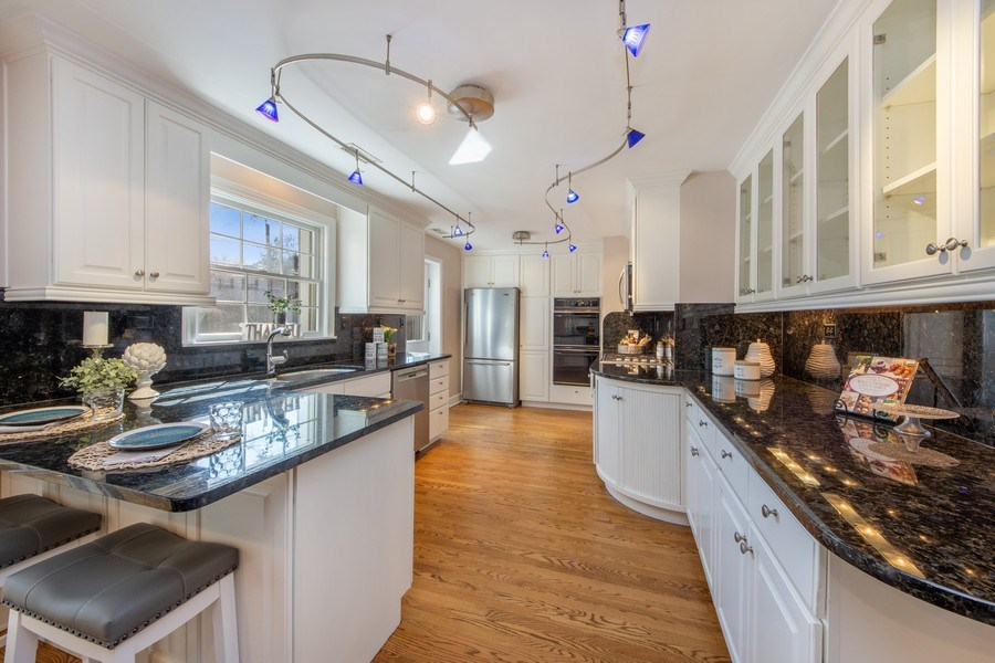 Real Estate Photography - 1115 N Patton, Arlington Heights, IL, 60004 - Kitchen