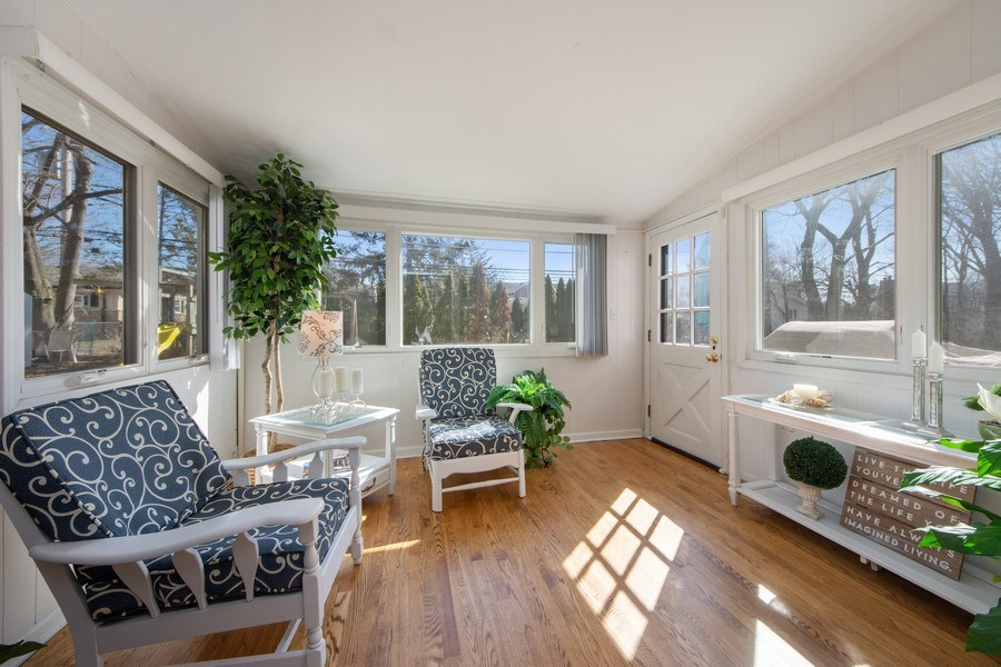 Real Estate Photography - 1115 N Patton, Arlington Heights, IL, 60004 - Sun Room
