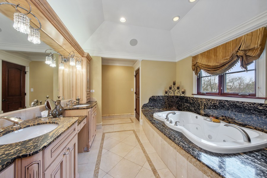 Real Estate Photography - 2415 N Pine, Arlington Heights, IL, 60004 - Master Bathroom