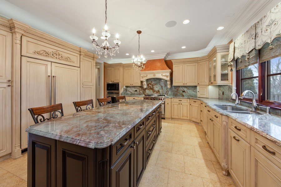 Real Estate Photography - 2415 N Pine, Arlington Heights, IL, 60004 - Kitchen