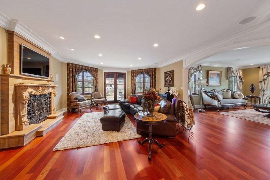 Real Estate Photography - 2415 N Pine, Arlington Heights, IL, 60004 - Family Room