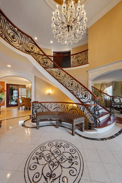 Real Estate Photography - 2415 N Pine, Arlington Heights, IL, 60004 - Foyer