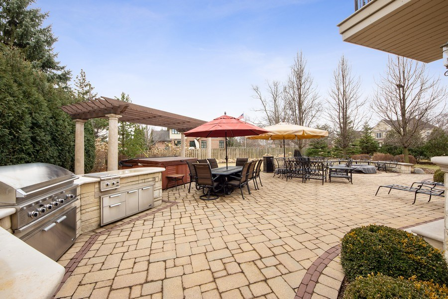 Real Estate Photography - 2415 N Pine, Arlington Heights, IL, 60004 - Patio