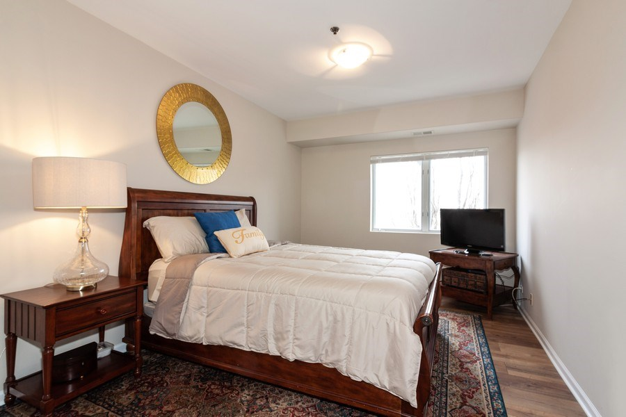 Real Estate Photography - 140 Manchester Drive #405, Buffalo Grove, IL, 60089 - 2nd Bedroom