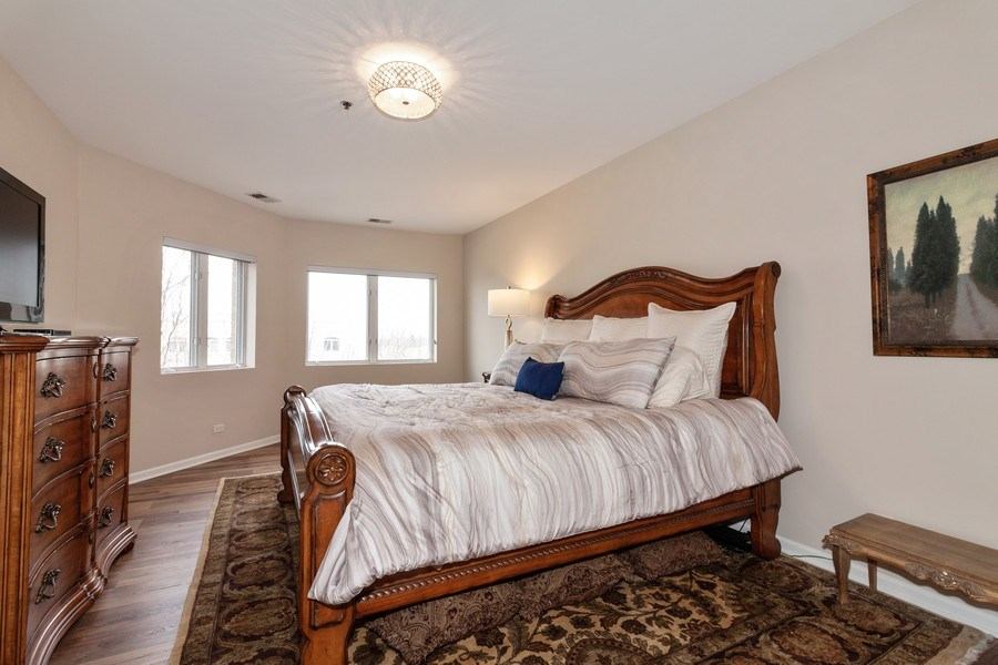 Real Estate Photography - 140 Manchester Drive #405, Buffalo Grove, IL, 60089 - Master Bedroom