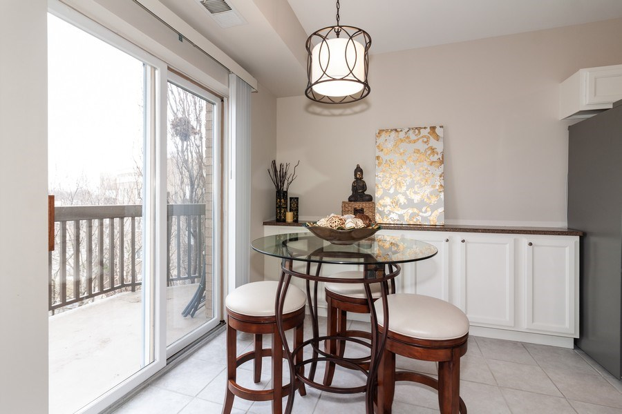 Real Estate Photography - 140 Manchester Drive #405, Buffalo Grove, IL, 60089 - Breakfast Nook