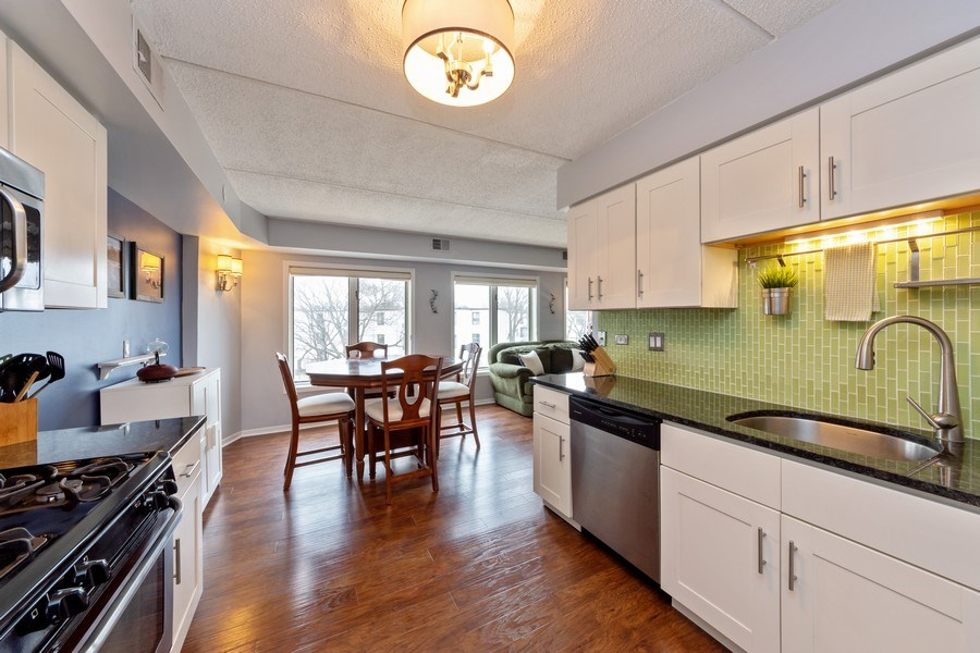 Real Estate Photography - 355 W Miner Street, Unit #2C, Arlington Heights, IL, 60005 - Kitchen