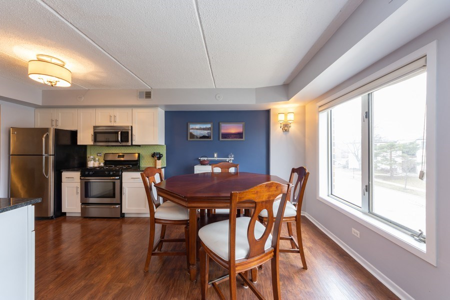 Real Estate Photography - 355 W Miner Street, Unit #2C, Arlington Heights, IL, 60005 - Dining Room