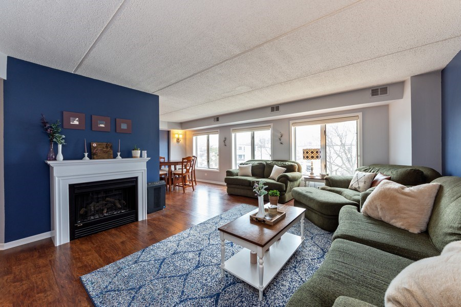 Real Estate Photography - 355 W Miner Street, Unit #2C, Arlington Heights, IL, 60005 - Living Room / Dining Room