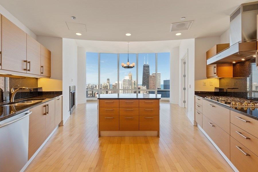 Real Estate Photography - 401 N. Wabash, 40A, Chicago, IL, 60611 - Kitchen