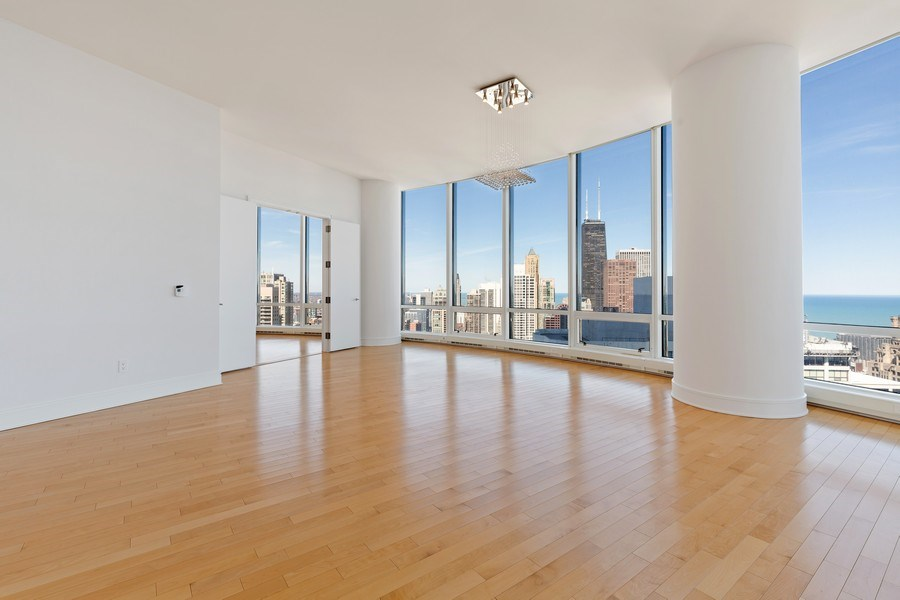 Real Estate Photography - 401 N. Wabash, 40A, Chicago, IL, 60611 - Dining Room
