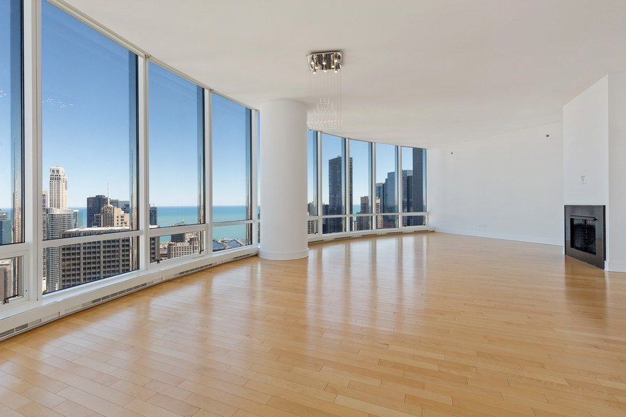 Real Estate Photography - 401 N. Wabash, 40A, Chicago, IL, 60611 - Living Room/Dining Room