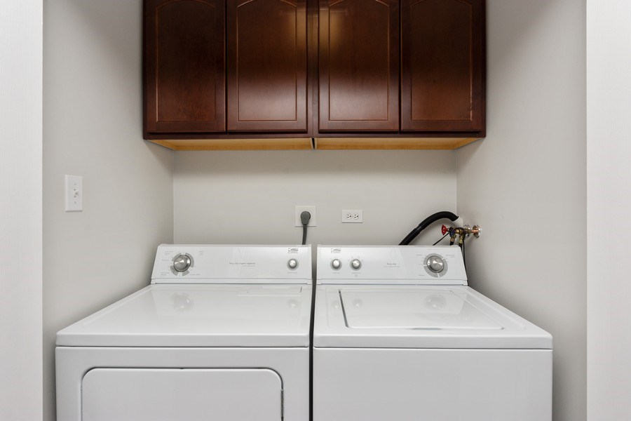 Real Estate Photography - 432 Meadow Hill Ln, Round Lake Beach, IL, 60073 - Laundry Room