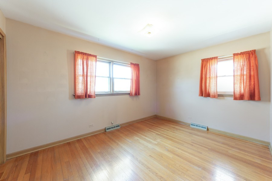 Real Estate Photography - 1616 W Grove, Arlington Heights, IL, 60005 - 2nd Bedroom