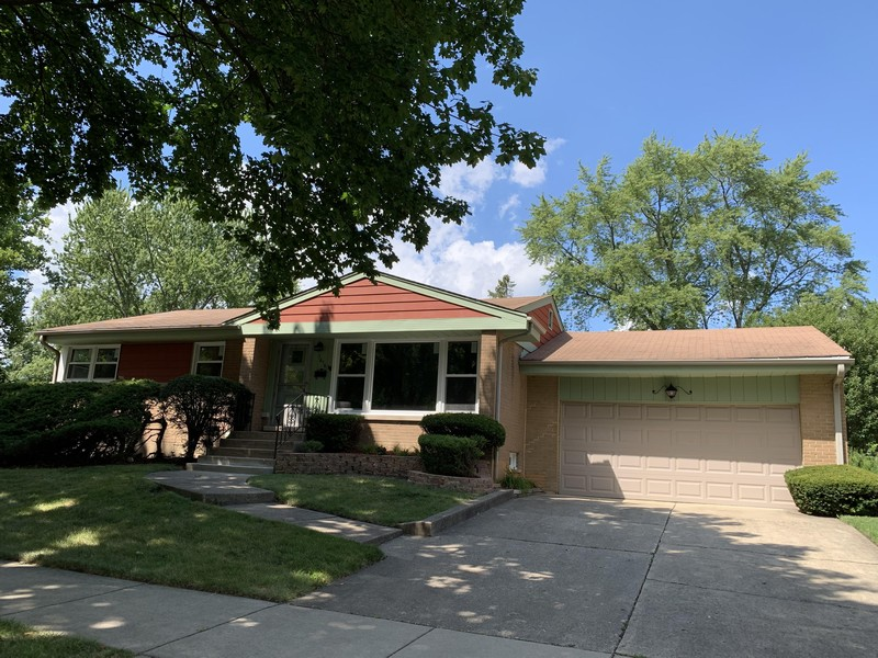 Real Estate Photography - 1616 W Grove, Arlington Heights, IL, 60005 -