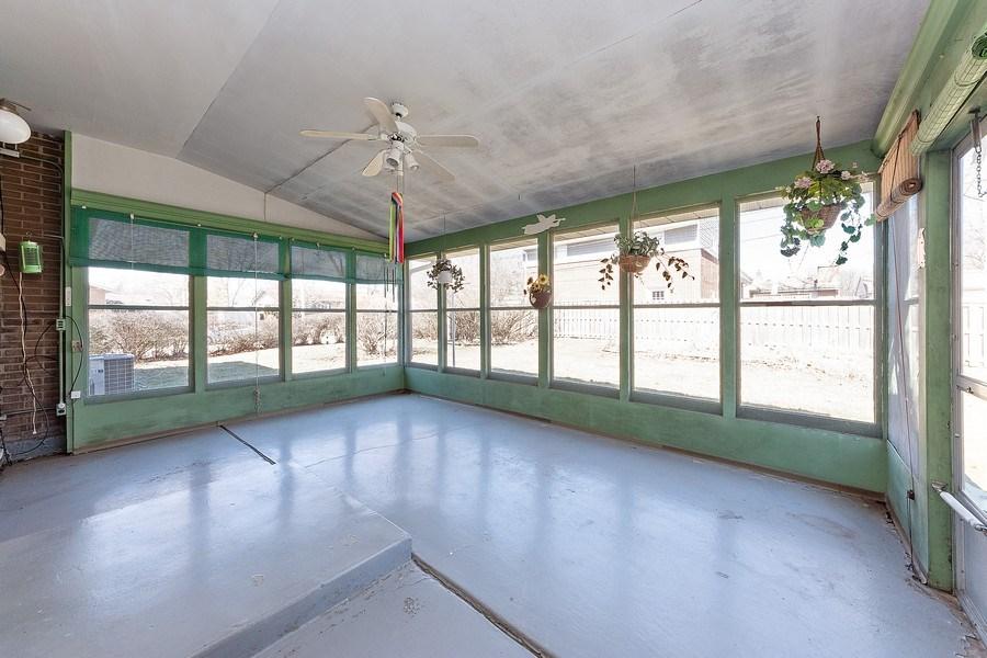 Real Estate Photography - 1616 W Grove, Arlington Heights, IL, 60005 - Sun Room