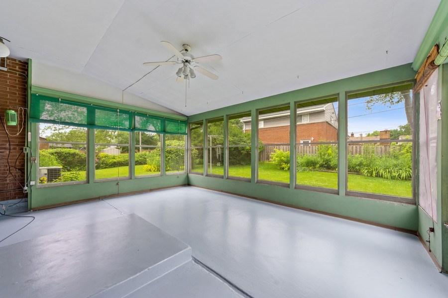 Real Estate Photography - 1616 W Grove, Arlington Heights, IL, 60005 - Sunroom