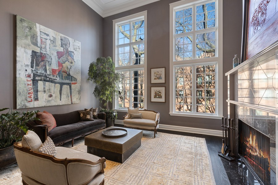 Real Estate Photography - 1912 North Hudson Avenue, Chicago, IL, 60614 - Living Room