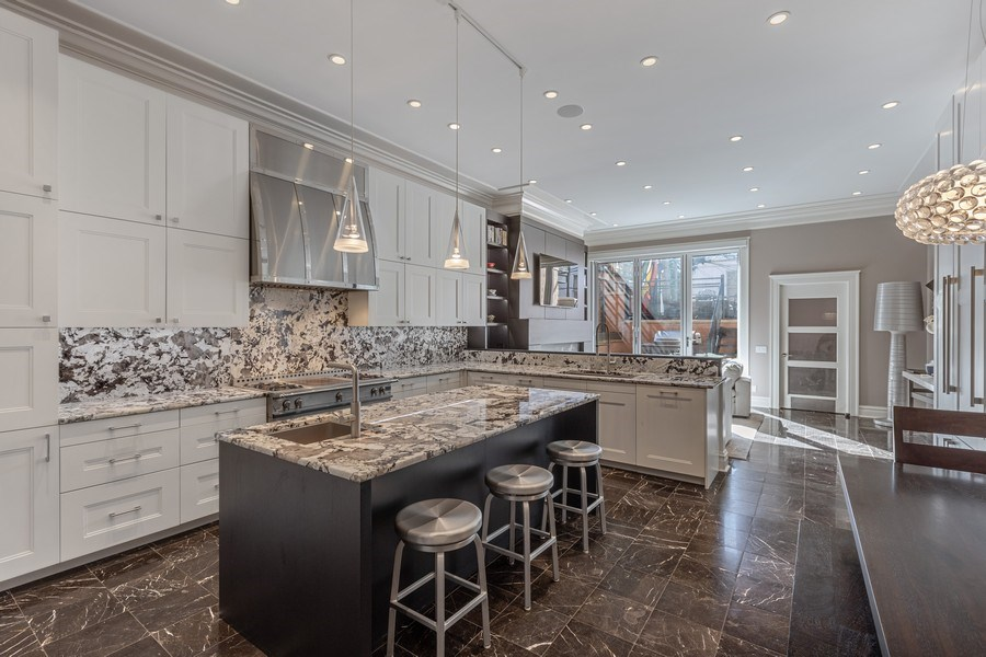 Real Estate Photography - 1912 North Hudson Avenue, Chicago, IL, 60614 - Kitchen/Family Room
