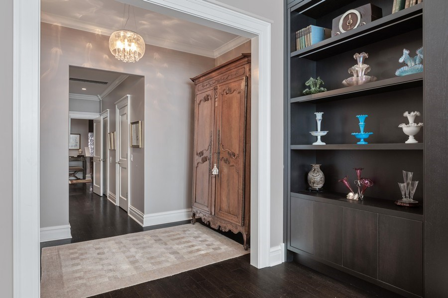 Real Estate Photography - 1912 North Hudson Avenue, Chicago, IL, 60614 - Master Bedroom/Dressing Area