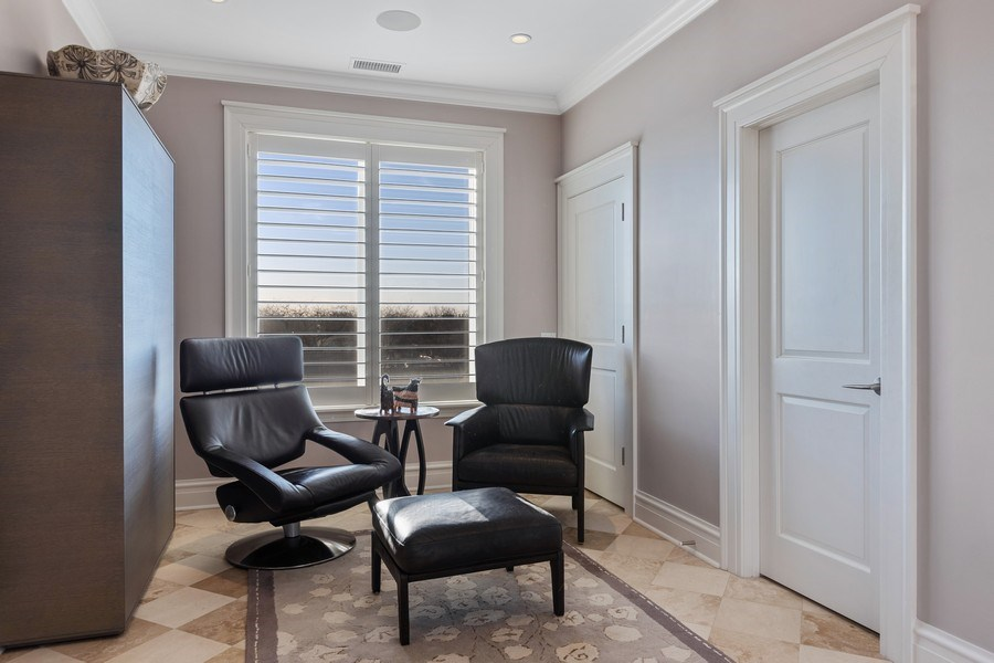 Real Estate Photography - 1912 North Hudson Avenue, Chicago, IL, 60614 - Top Floor Sunroom