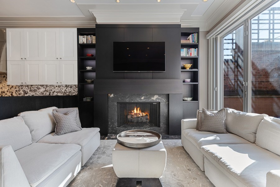 Real Estate Photography - 1912 North Hudson Avenue, Chicago, IL, 60614 - Family Room