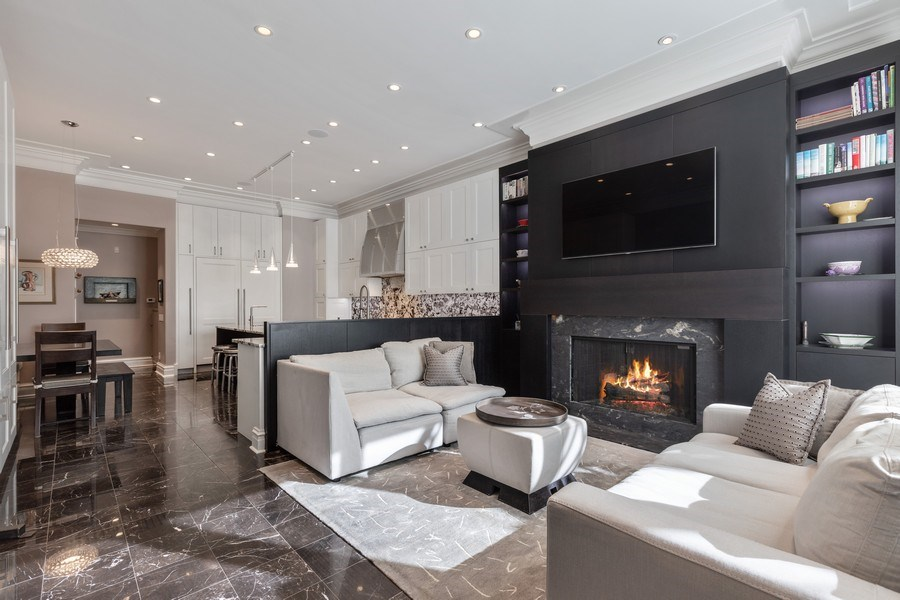 Real Estate Photography - 1912 North Hudson Avenue, Chicago, IL, 60614 - Family Room/Kitchen