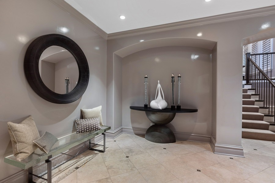 Real Estate Photography - 1912 North Hudson Avenue, Chicago, IL, 60614 - Foyer
