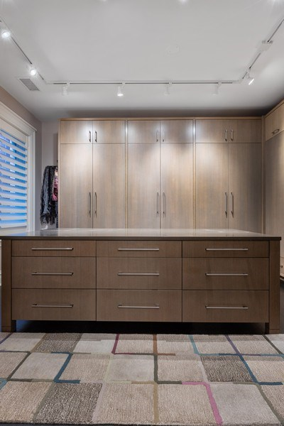 Real Estate Photography - 1912 North Hudson Avenue, Chicago, IL, 60614 - Master Bedroom Closet