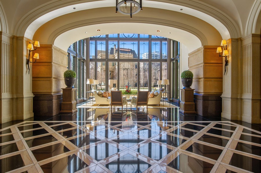 Real Estate Photography - 2550 N Lakeview #N1803, Chicago, IL, 60614 - Lobby