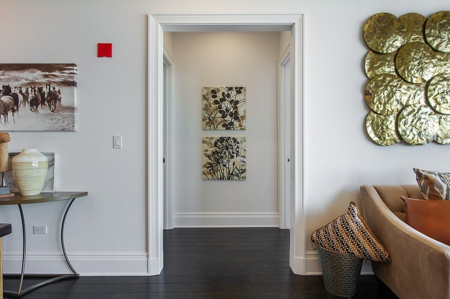 Real Estate Photography - 2550 N Lakeview #N1803, Chicago, IL, 60614 - Hallway