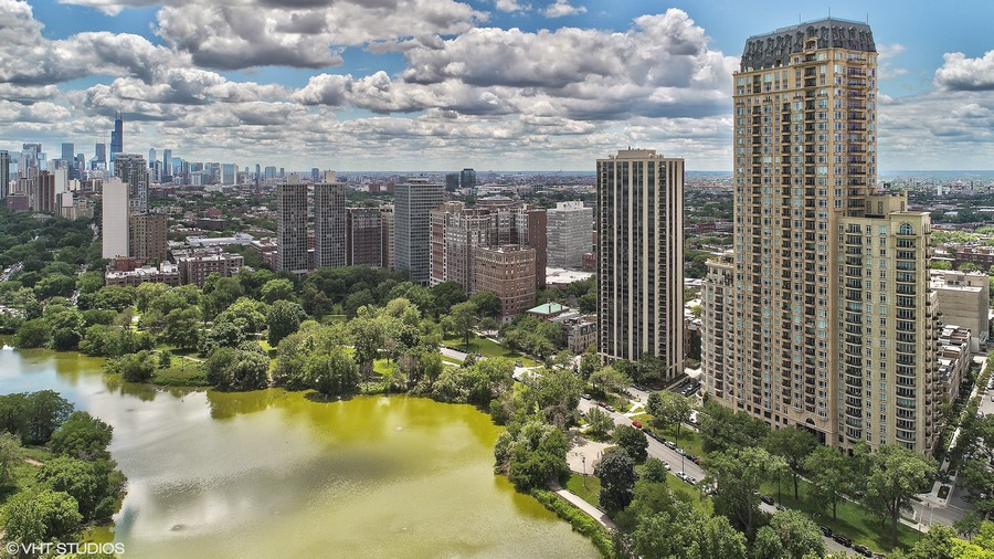 Real Estate Photography - 2550 N Lakeview #N1803, Chicago, IL, 60614 -