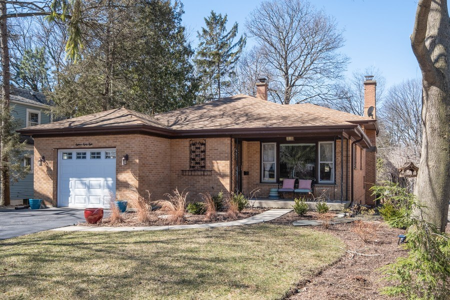 Real Estate Photography - 1888 Elmwood Drive, Highland Park, IL, 60035 - Front View