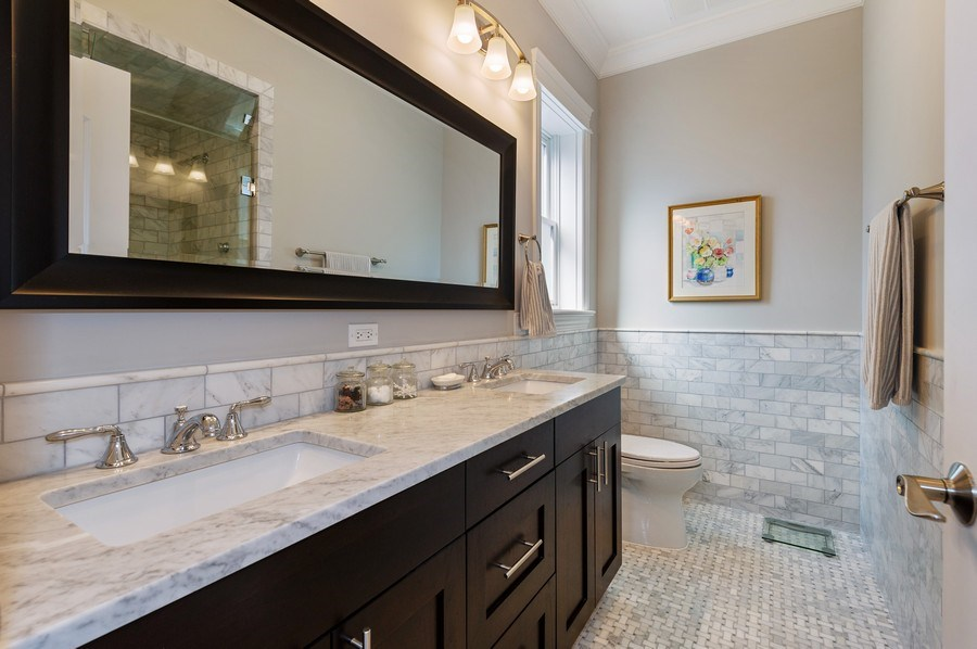 Real Estate Photography - 2307 North Greenview, 2, Chicago, IL, 60614 - Master Bathroom