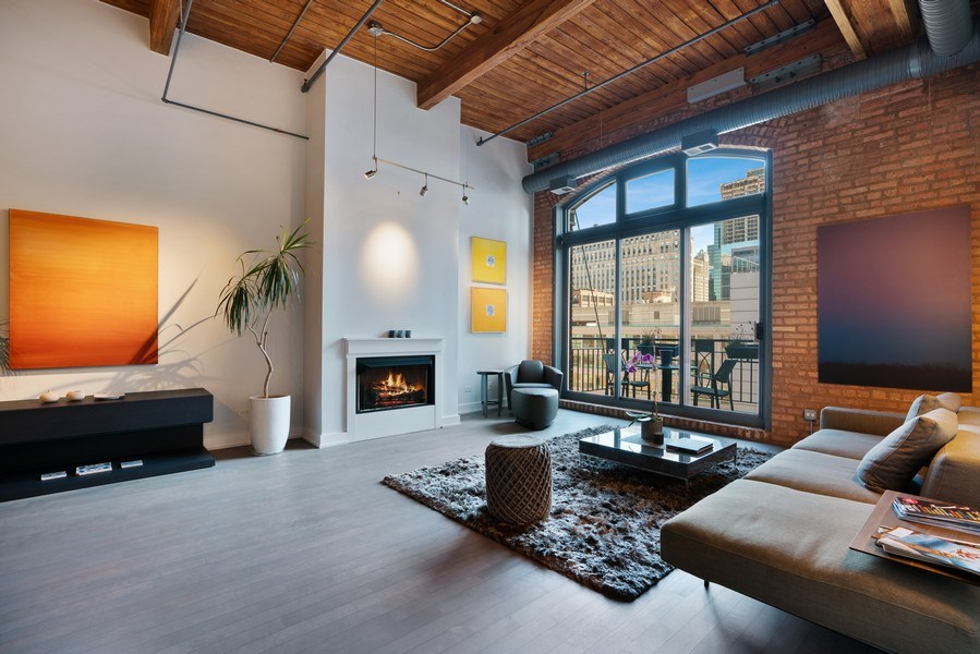 Real Estate Photography - 360 West Illinois, Unit 619, Chicago, IL, 60654 - Living Room