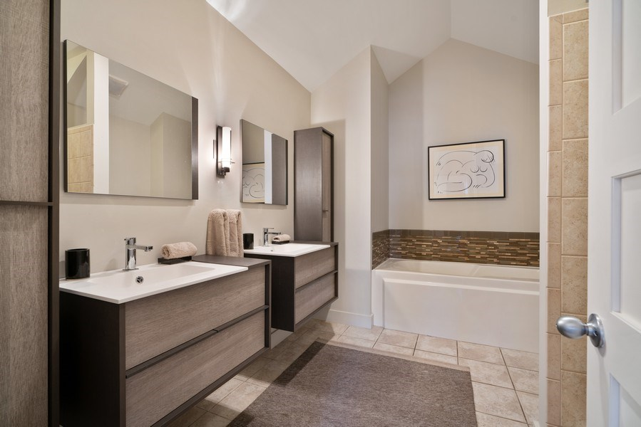 Real Estate Photography - 360 West Illinois, Unit 619, Chicago, IL, 60654 - Master Bathroom