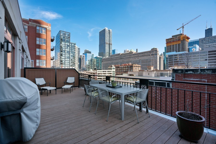 Real Estate Photography - 360 West Illinois, Unit 619, Chicago, IL, 60654 - Roof Deck