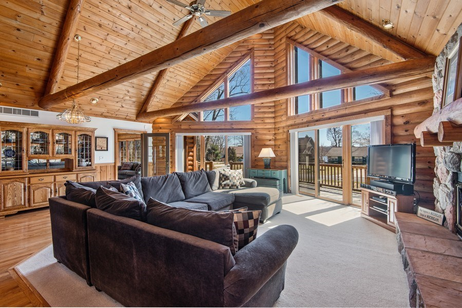 Real Estate Photography - 47644 Lakeview Drive, Lawrence, MI, 49064 - Living Room