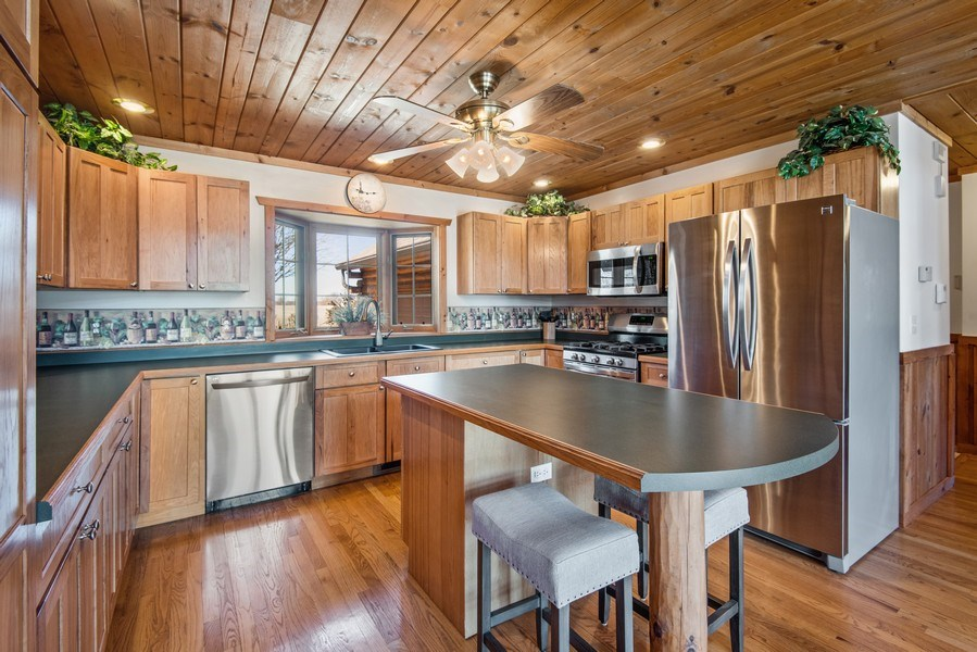 Real Estate Photography - 47644 Lakeview Drive, Lawrence, MI, 49064 - Kitchen