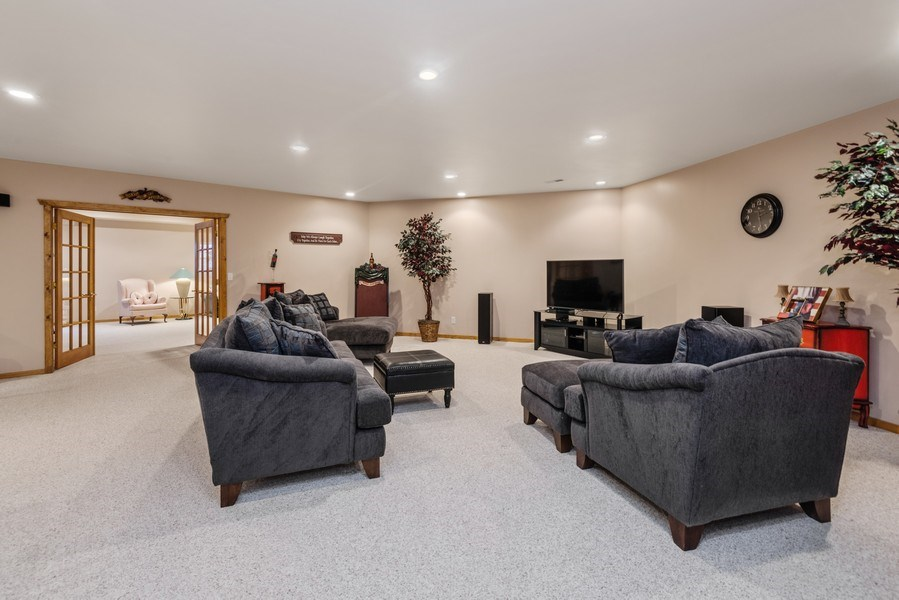 Real Estate Photography - 47644 Lakeview Drive, Lawrence, MI, 49064 - Family Room