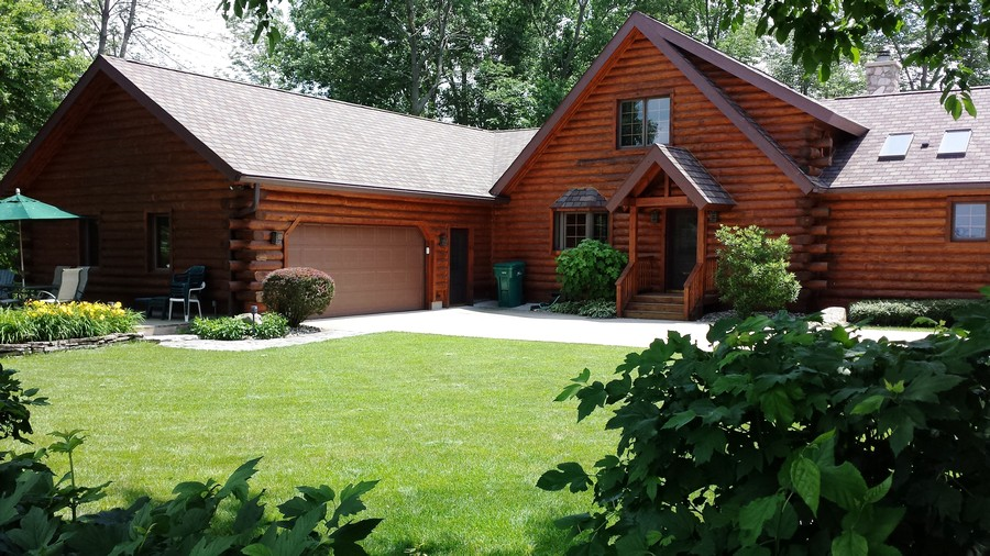 Real Estate Photography - 47644 Lakeview Drive, Lawrence, MI, 49064 - Back Entry